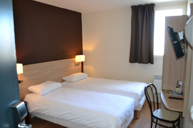 BRIT HOTEL TOURS NORD - 0