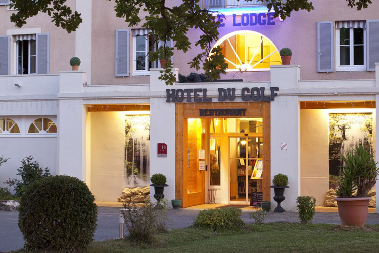 BRIT HOTEL SALIES DE BEARN – Golf le Lodge - 1